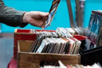 Les vinyls connectés seront bientôt dans les bacs !